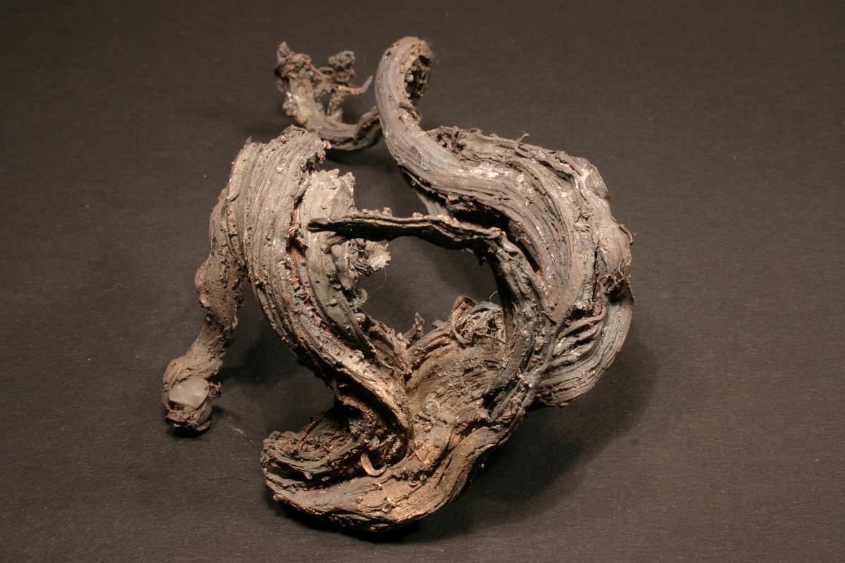 Trådsølv Vekt: 134,41 g Størrelse: 12 x 7 x 5 cm