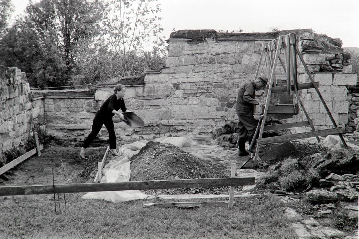 Domkirkeruinen, arkeologisk undersøkelse i nordre tverrskip i 1970