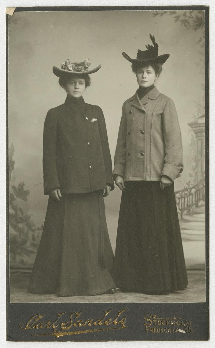 Porträtt av okända kvinnor.