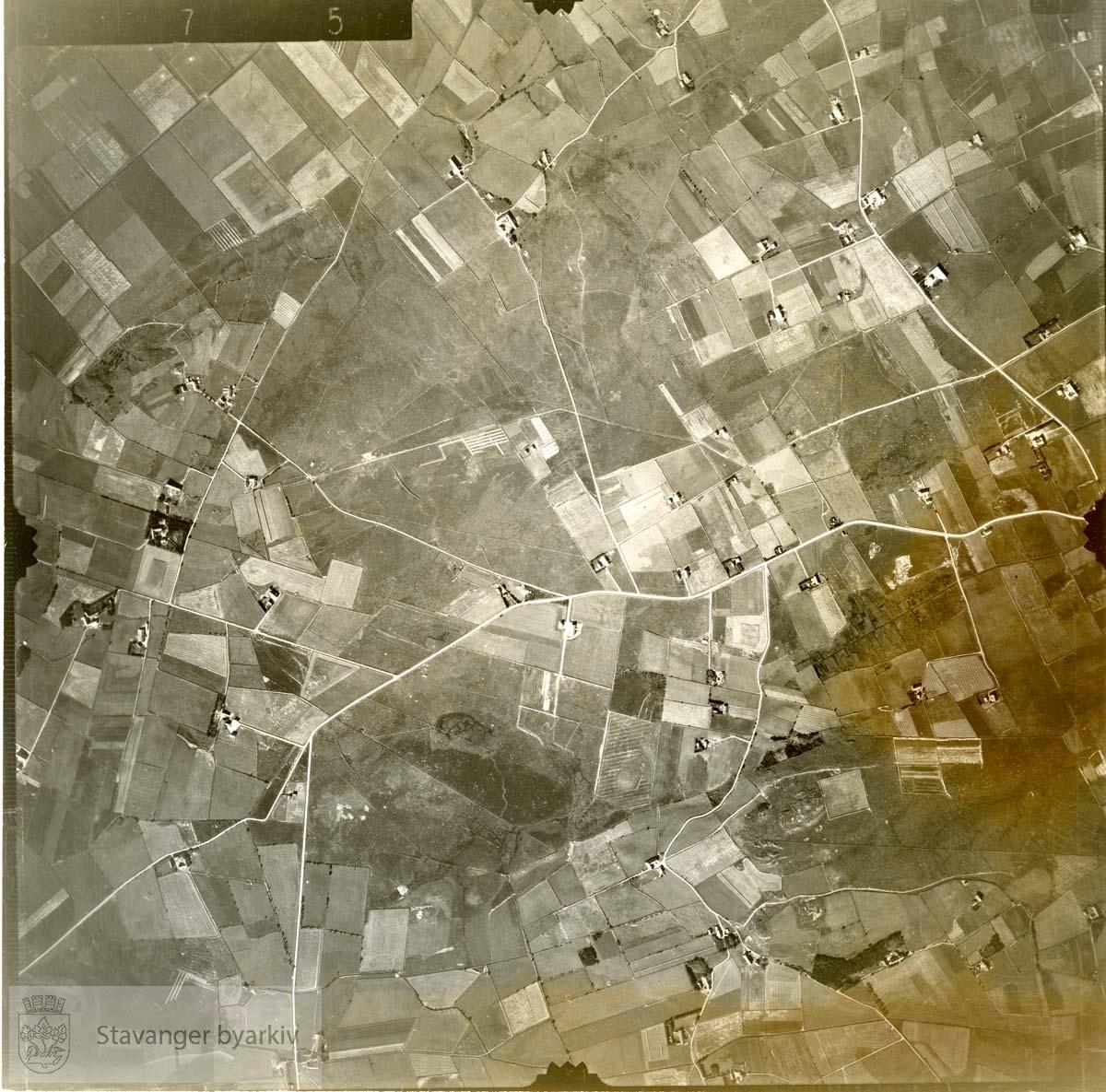 Jfr. kart/fotoplan C15/375..Se ByStW_Uca_002 (kan lastes ned under fanen for kart på Stavangerbilder)