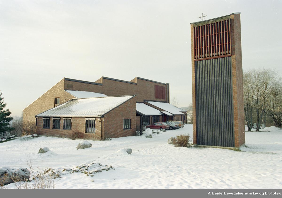 Furuset kirke i Ulsholtveien 37. 20. januar 1997
