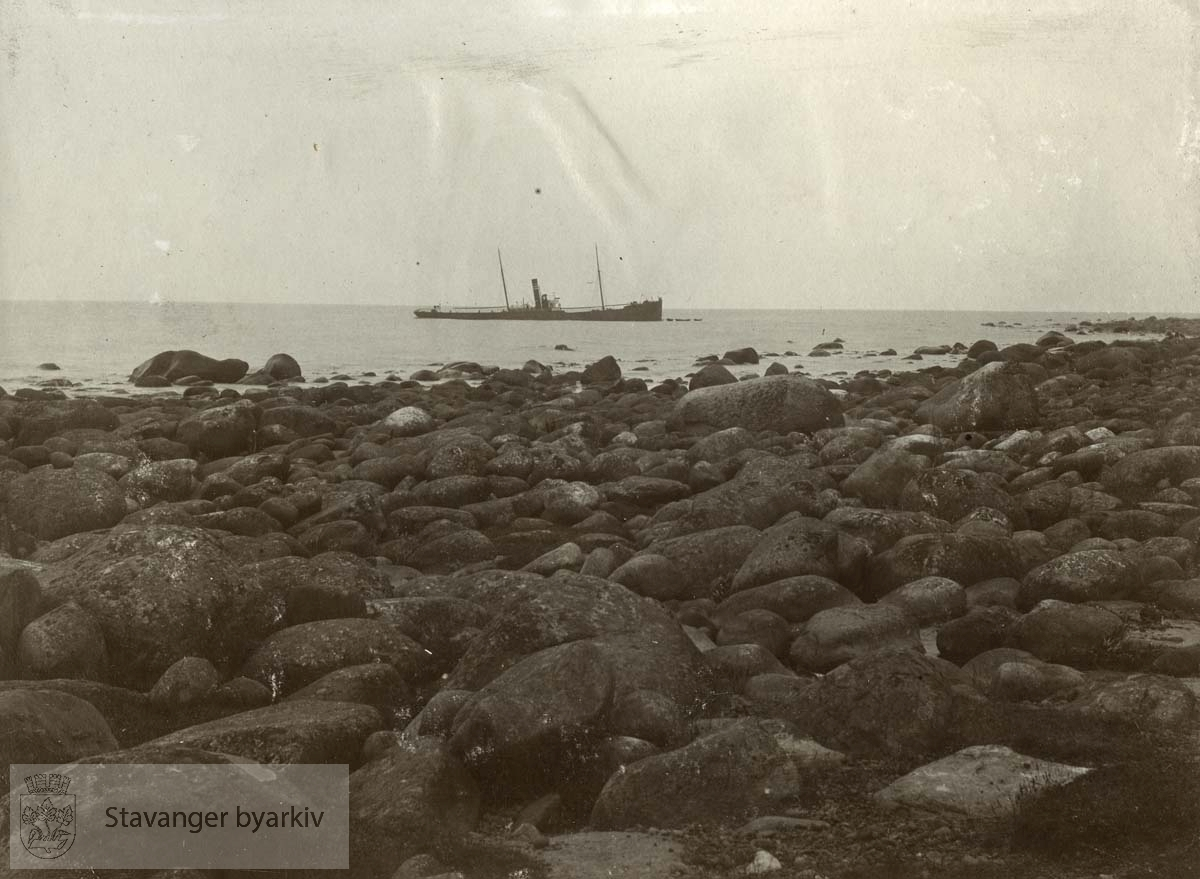S/S Fosli strandet på Varhaug