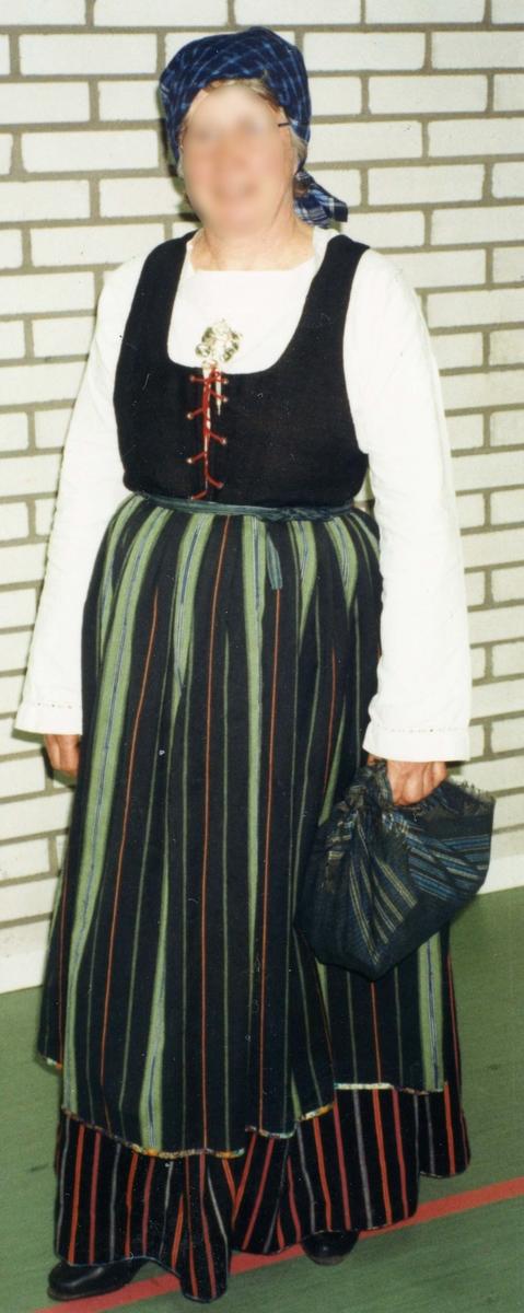Folkdräkt från Torpa i Halland