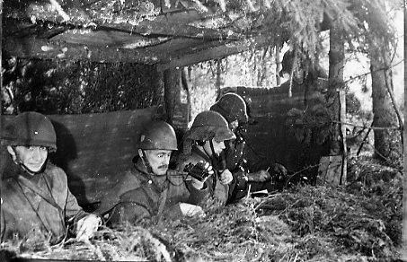 Eldledning, A 6. Från vänster: kapten Mollstadius, överste Lundqvist.