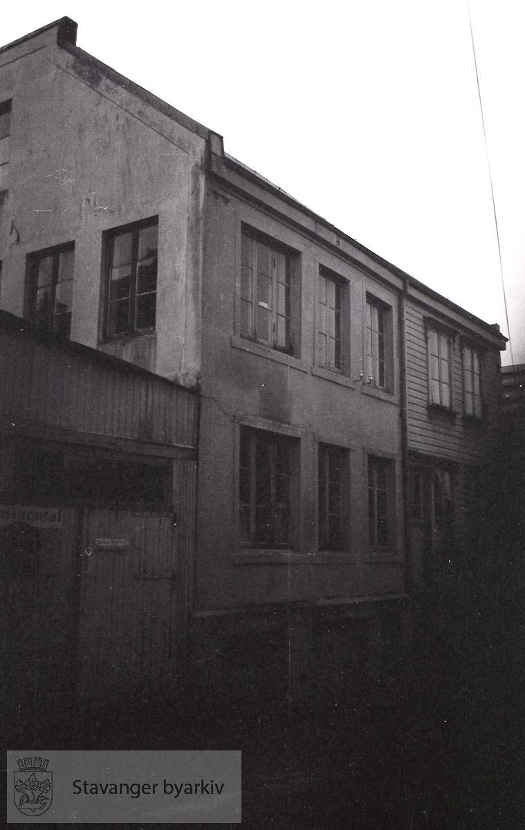 To bygg som tilhører Pedersgata 42