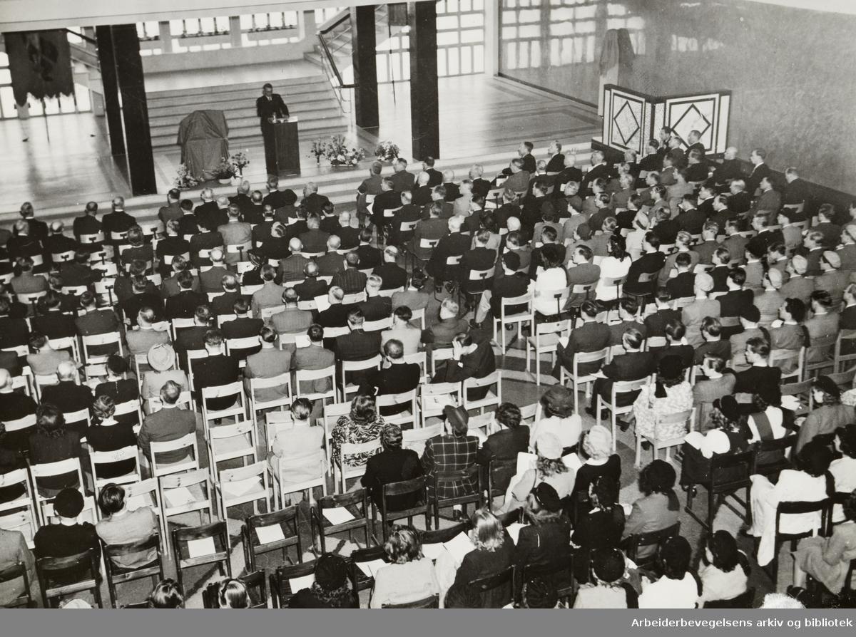 Oslo Handelsgymnasium. Mai 1947
