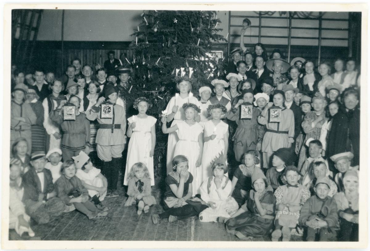 Vänersborg. Elfsborgs läns Dövstumskola, senare Vänerskolan. Julfest