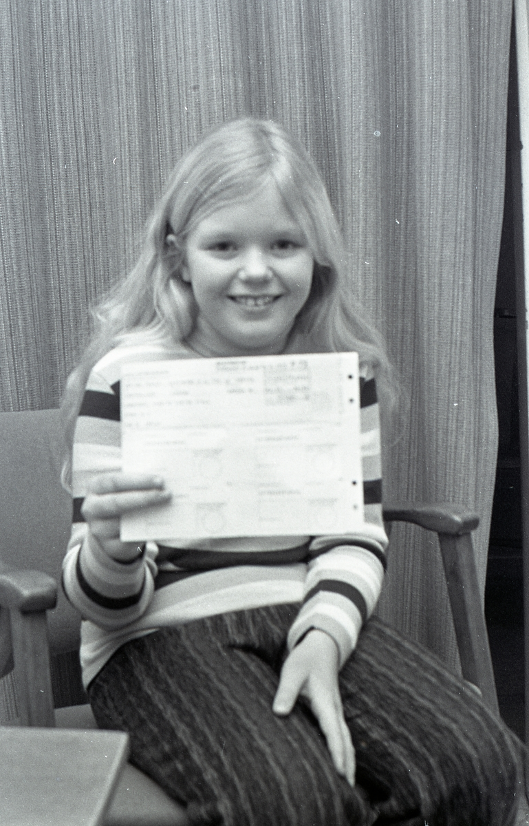 Annette Johansson, 10 år, har fått skattsedel