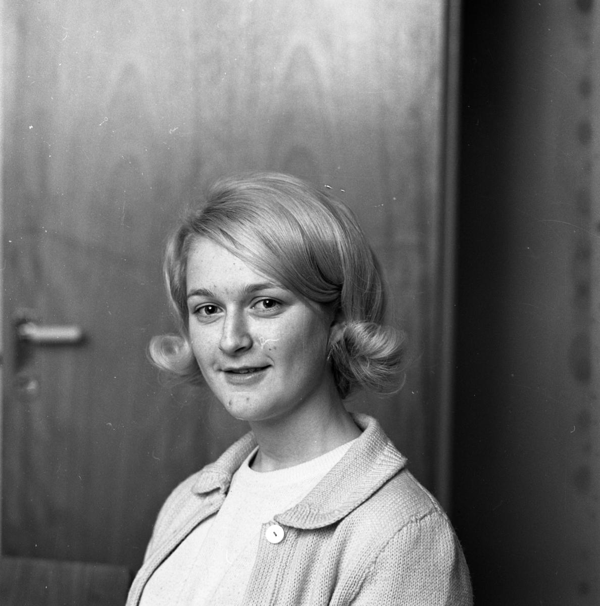 Årets Lucia 1965; Ann-Britt Gustafsson Porträtt av ung kvinna