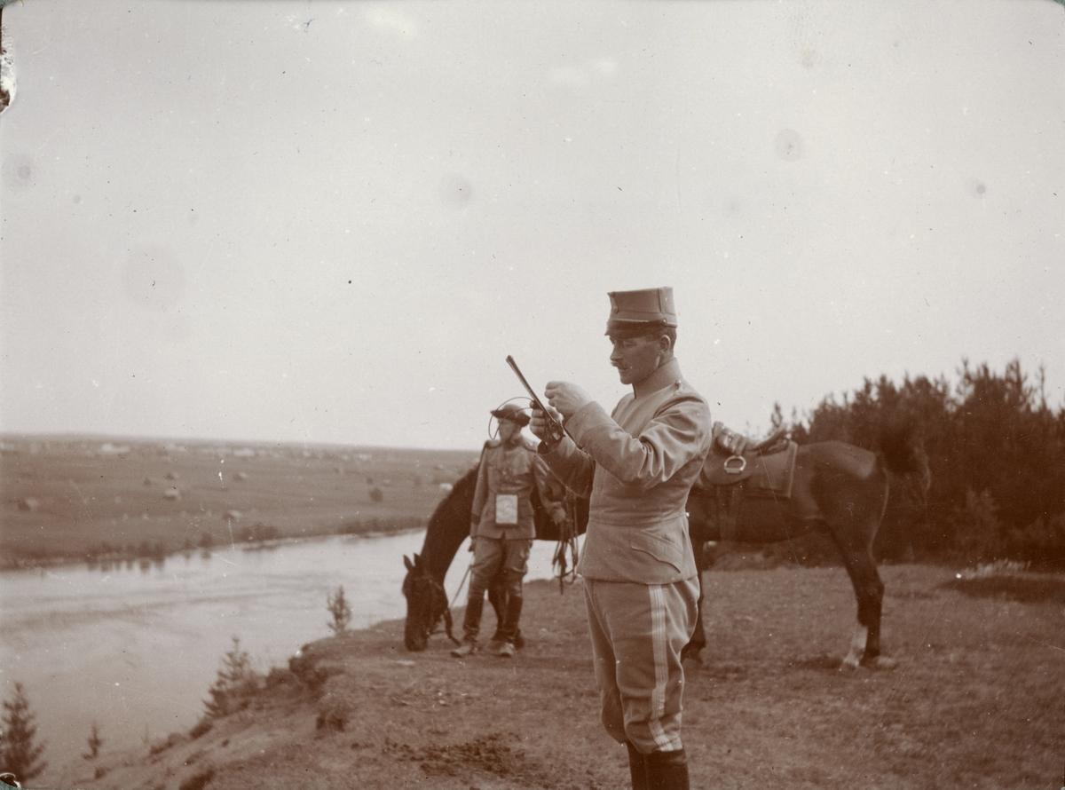 Soldater på fältövning.