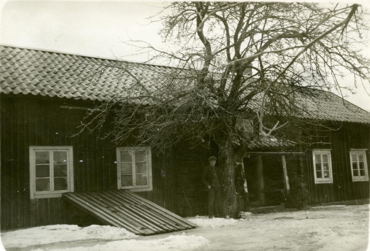 Kumla sn, Vad Labacken. Bostadshus. Foto: Bror Eriksson, Lejde Skultuna 1926.