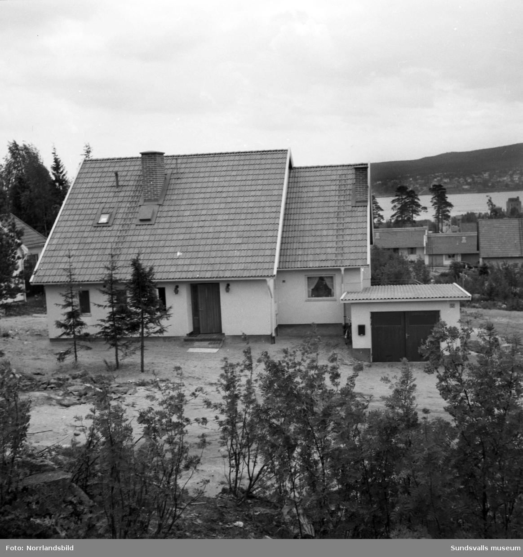 Nybyggd villa på Höjdgatan 12 i Skönsberg.