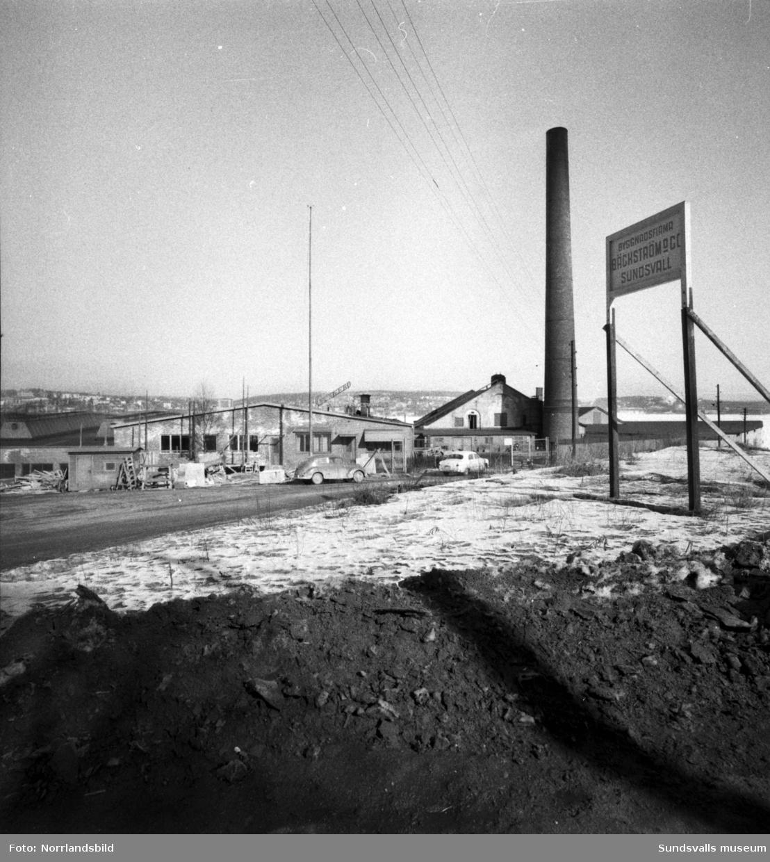 Gunnebo spikfabrik på Mon, Landsvägsallén.