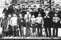 Arbetare vid Gefle Verkstäder 1895.