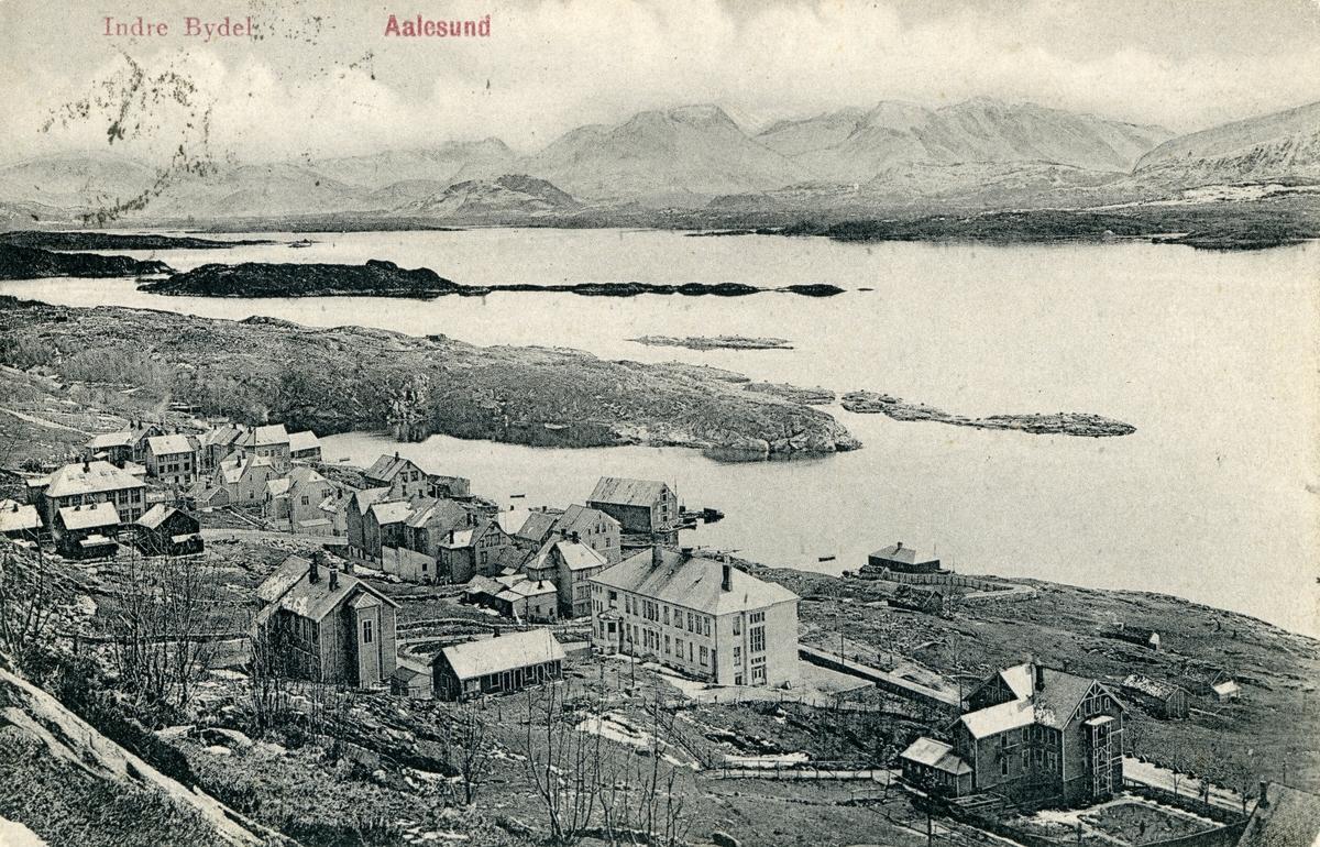Oversiktsbilde av Ålesunds indre bydel med Ålesunds gamle sykehus.