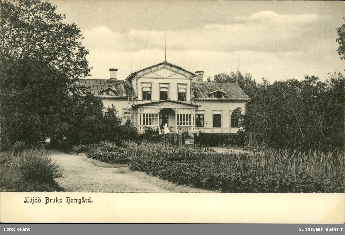 Vykort med motiv över Lögdö bruks herrgård i Timrå.
