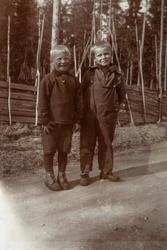 2 blide gutter i Brenneriroa, Johan Tønsetengen og Jarle Han