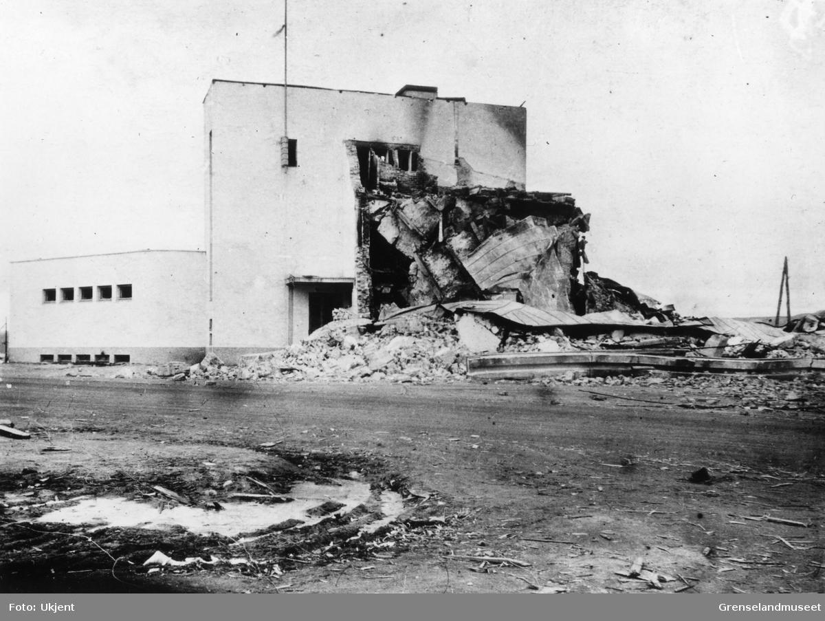 Ødelagt forretning  (samvirkelaget) i Petsamo, oktober 1944.
