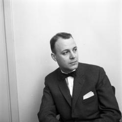 Rönnes, porträttbilder av personal: 1: Lennart Nyberg, inkö