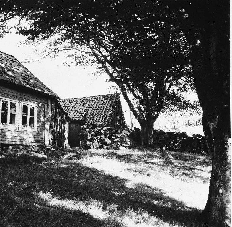 Garden Brylte, Helland øvre. Sjå også 1990.1TIM.1.060 - 065