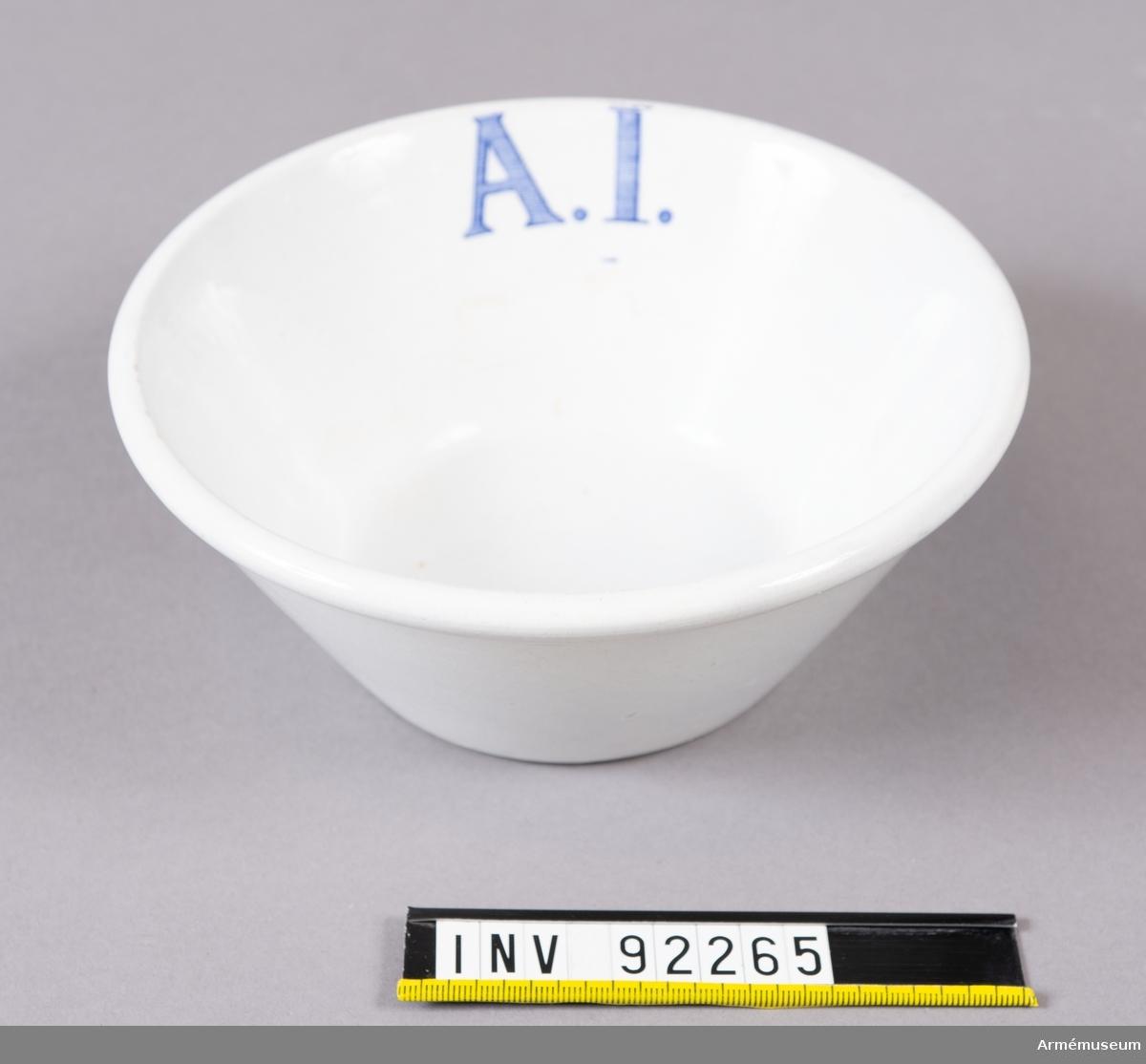 Vit skål eller djup tallrik använd vid A1