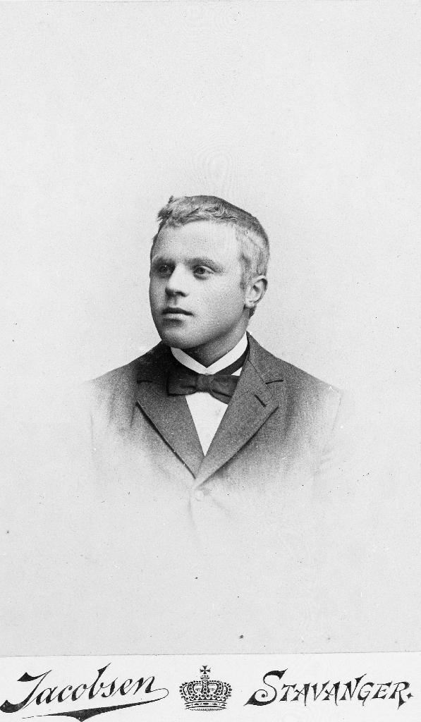 Ivar Hognestad (1878 - ). Han emigrerte til USA 5. mars 1900.