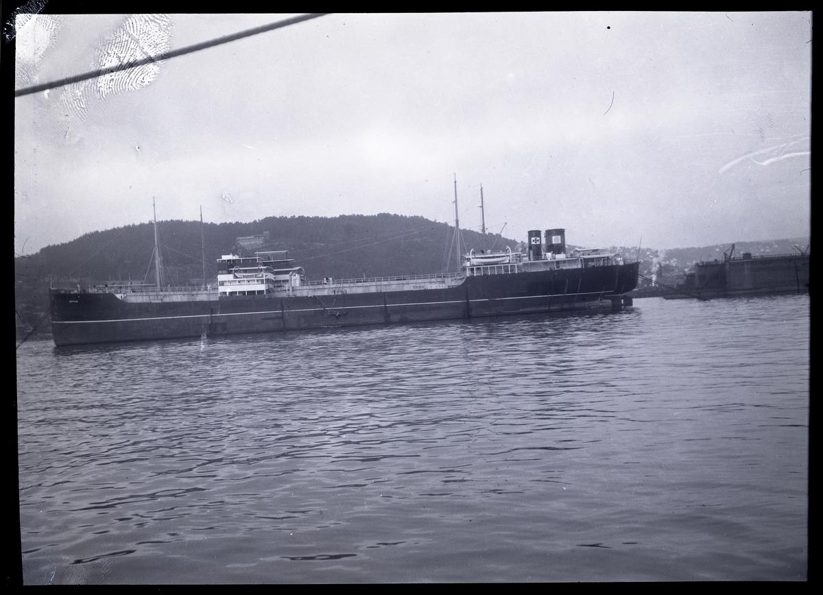 Ångfartyg.