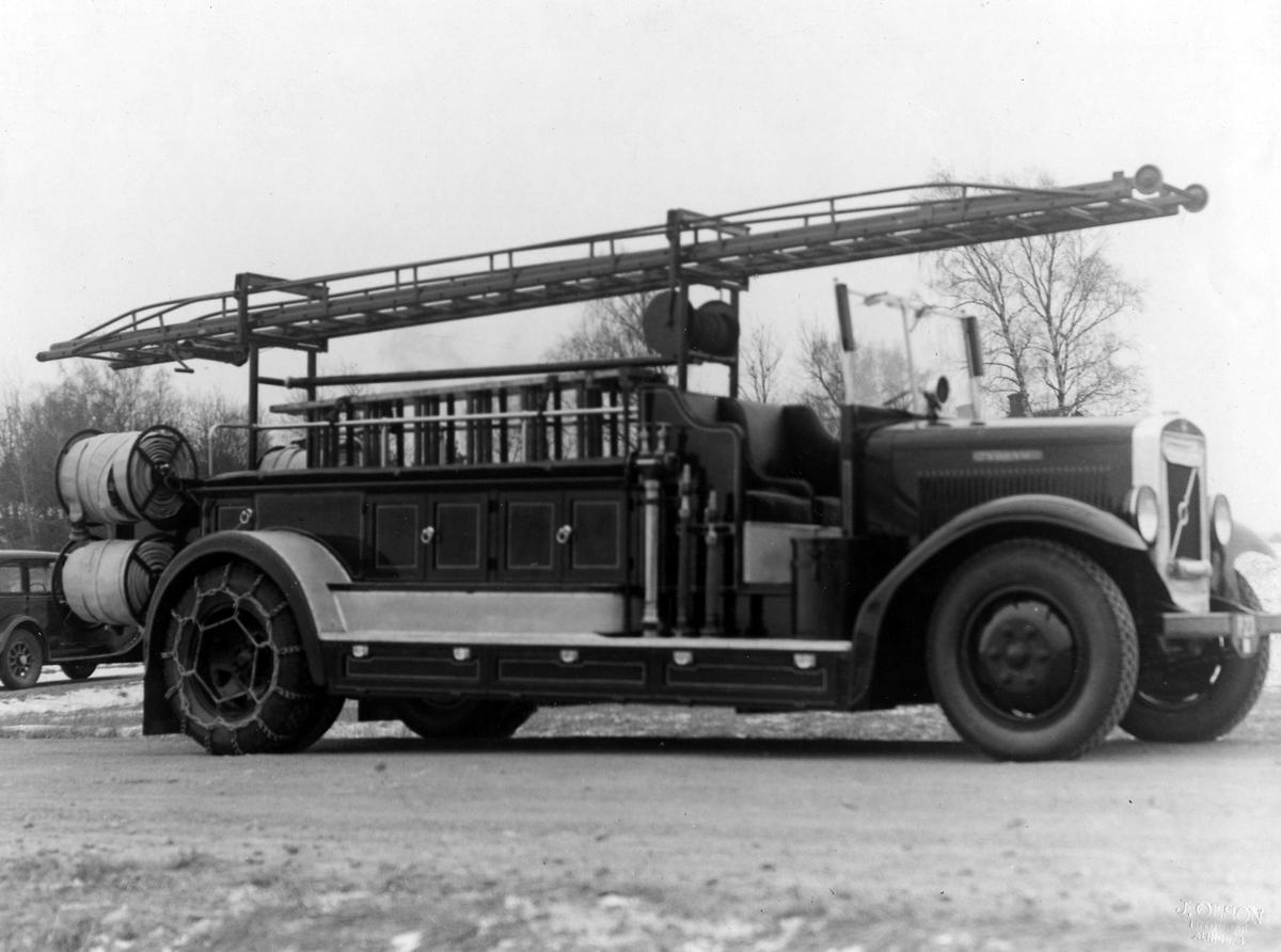 """Brandbil Volvo, """"2:an"""". Levererad av Alingsås Bil- och motorverkstad."""