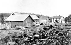 Amundrud i Spydeberg, oversiktsbilde fra tunet med våningshu
