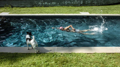 RAGNAR KJARTANSSON, Scenes From Western Culture, The Pool (Elizabeth Peyton), 2015. Single-channel video with sound. 24:37 minutes. Edition of 6 plus 2 artist's proofs. Courtesy of the artist, Luhring Augustine, New York and i8 Gallery, Reykjavik. (Foto/Photo)