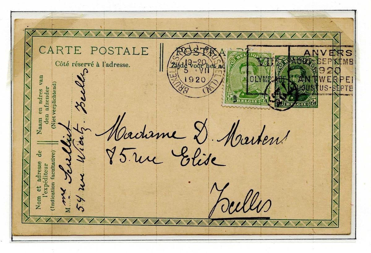 To postkort montert på albumside. Begge postkortene er frankert med frimerker med bilde av kong Albert I av Belgia, og stemplet i Brussel.