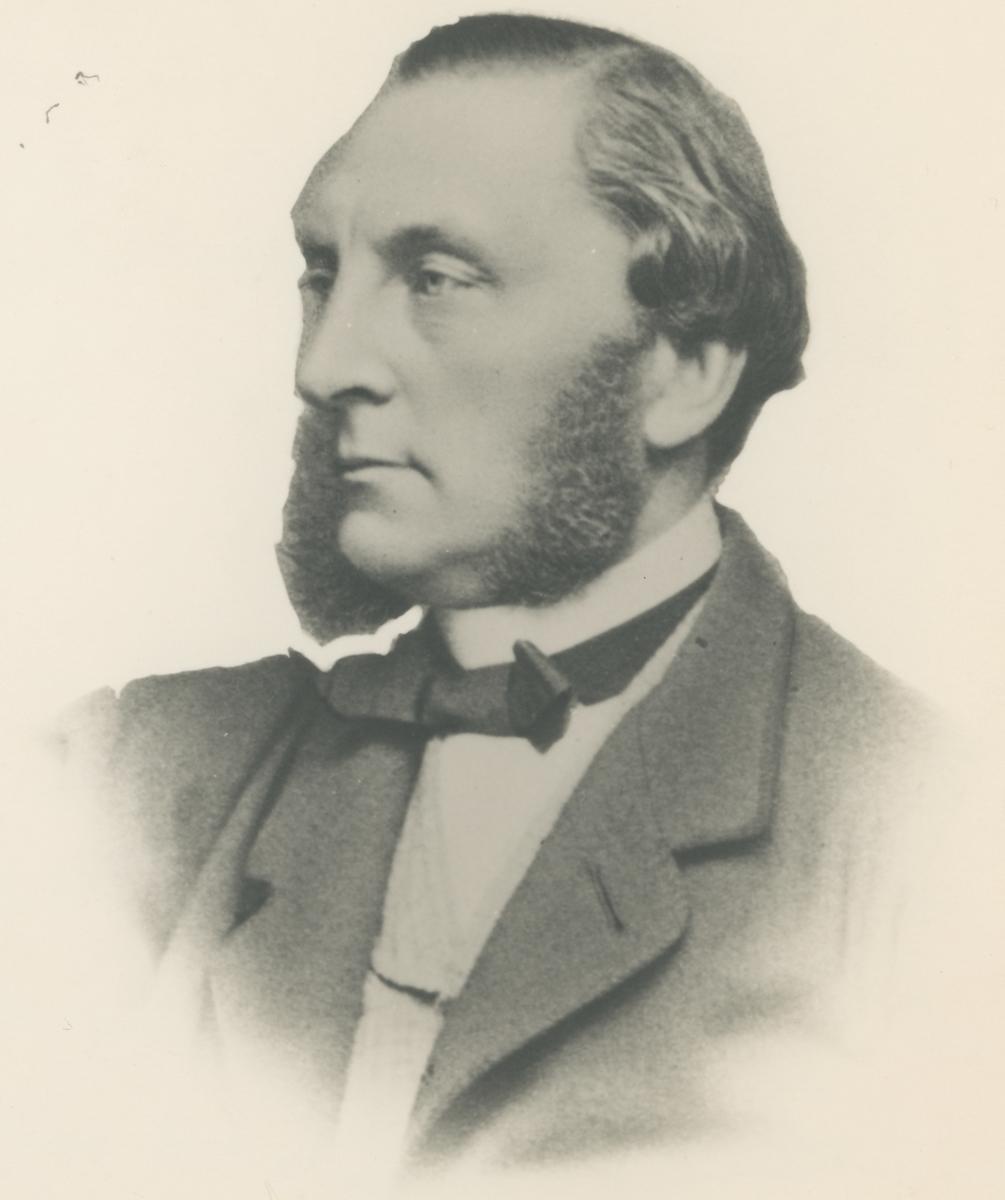 """Portrettfotos.  Bilde 1: Fredrikke """"Rikke"""" Ewald.  Bilde 2: Jens Ludvig Gerner."""
