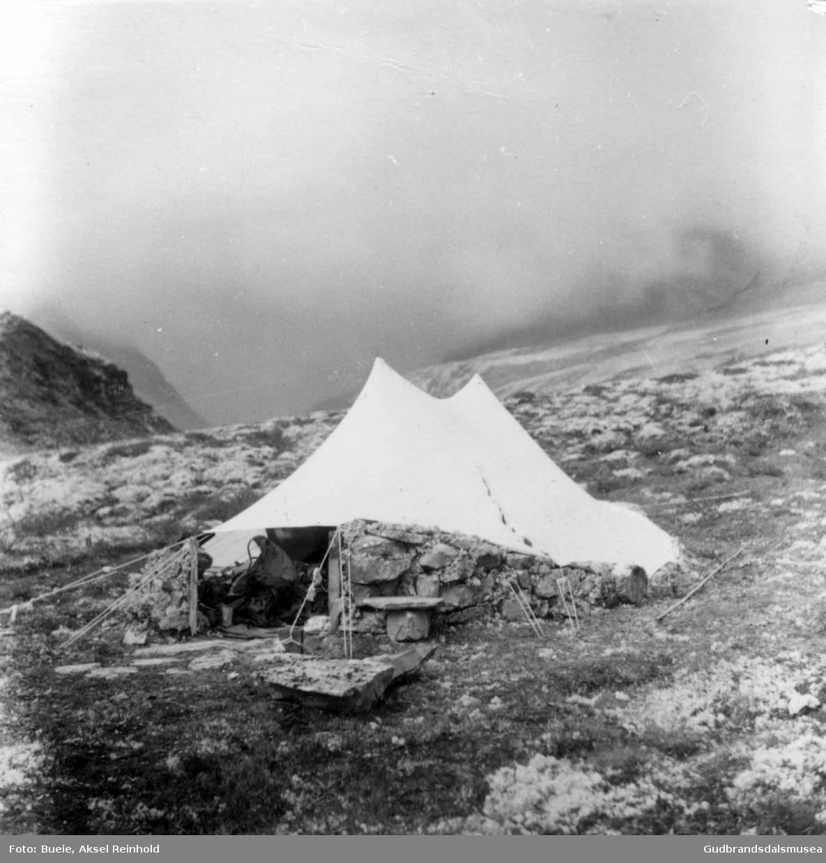 Tur i Rondane sommaren 1957. Telting nær Rondvassbu