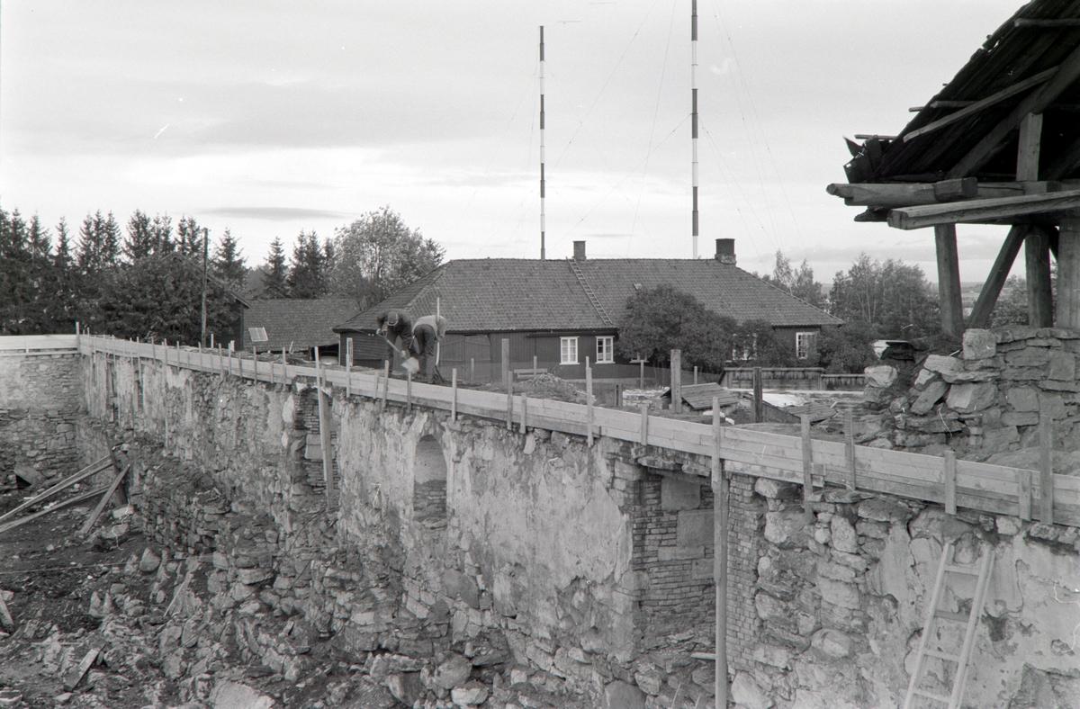 STORHAMARLÅVEN, A-FLØYENS S-VEGG SETT MOT S. Ø. Hedmarksmuseet, HDH. 03.