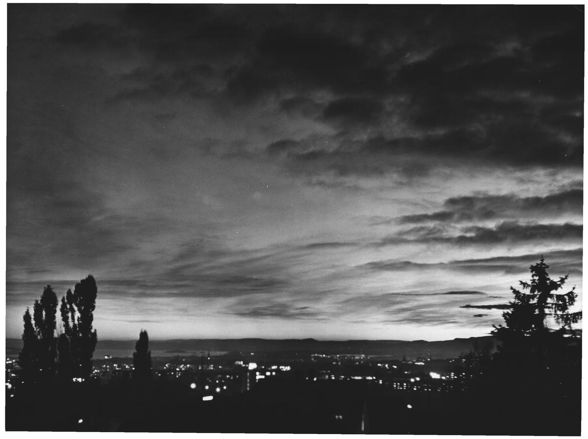 Høsthimmel over Oslo