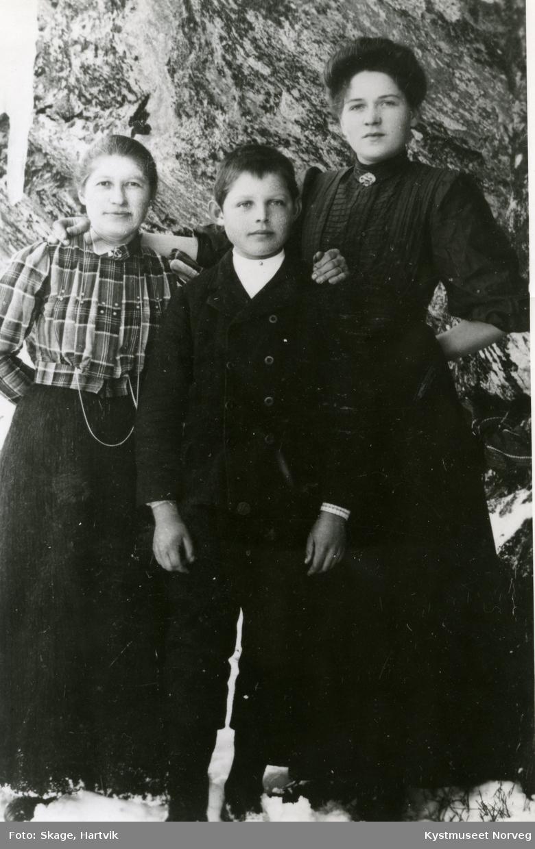 Alette Engesnes, Reidar Skage og Jakobie Frøseth