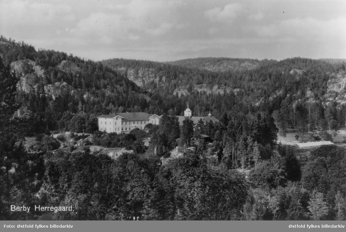 Postkort av Berby herregård i Idd. ca 1930. Poststempel 1934. Postkort.,