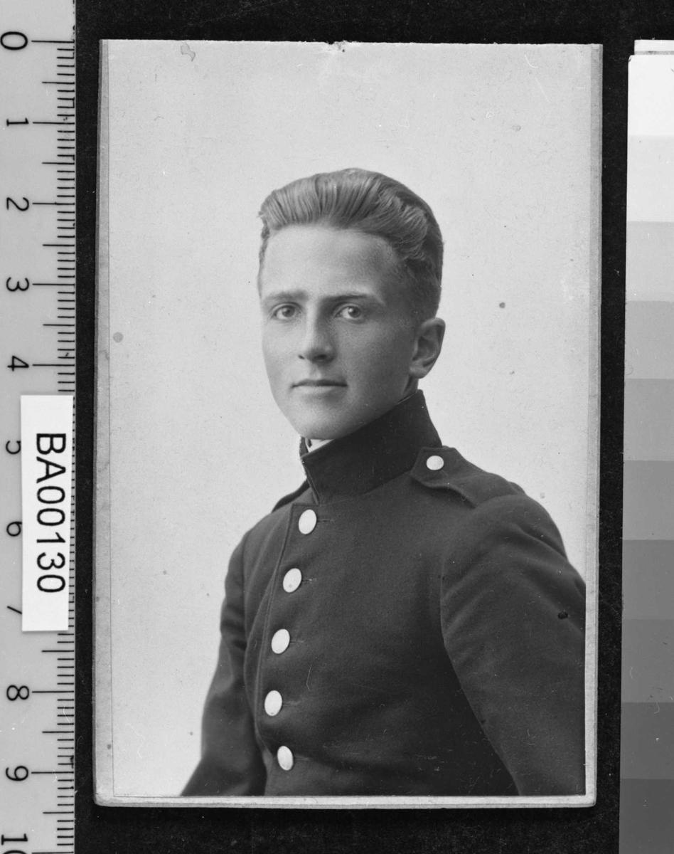 Bjørn Albert Bjørnstjerne Bjørnson, ungdomsportrett, uniform,