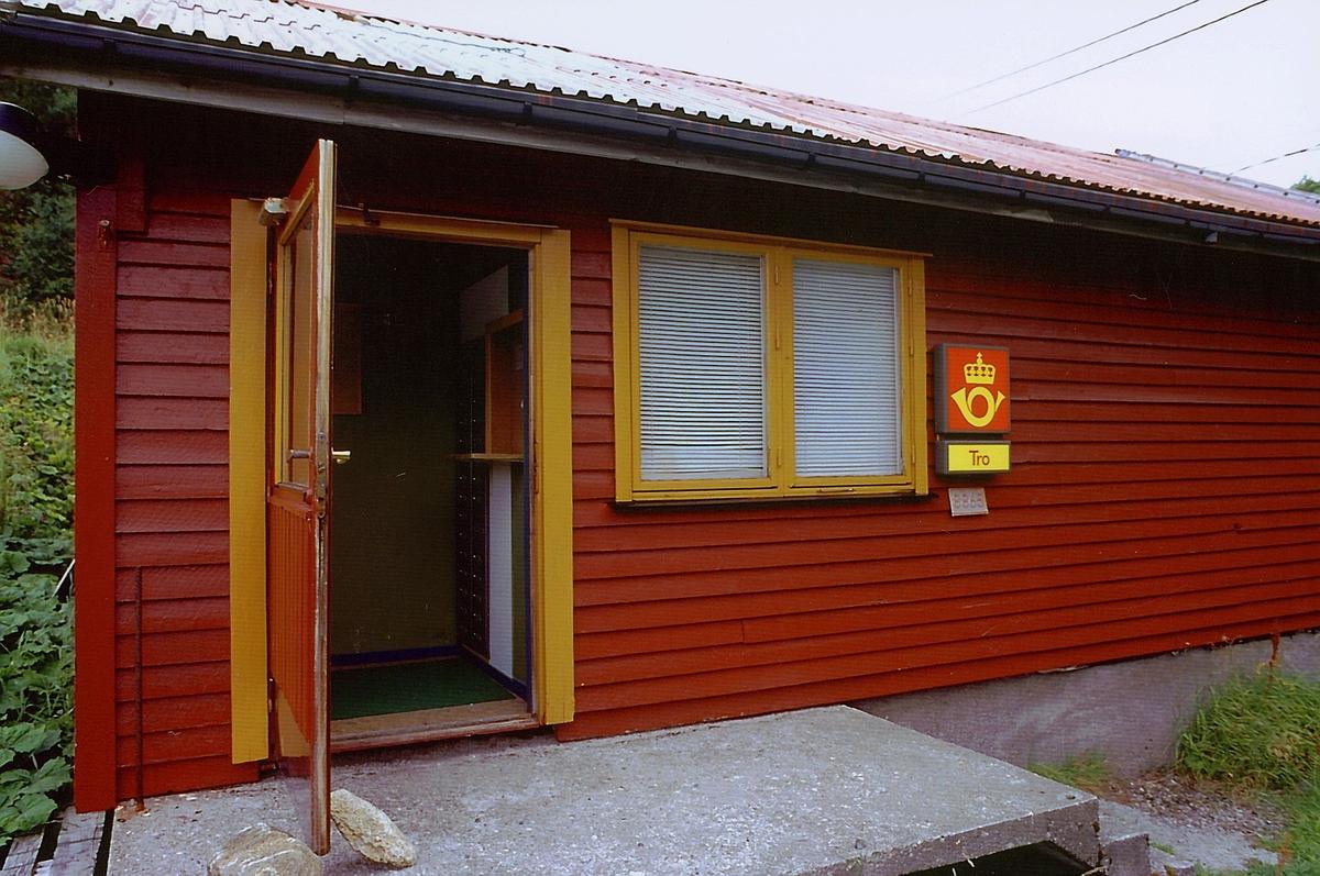 eksteriør, postkontor, Tro, 8862 Alstahaug, postskilt, stedsskilt
