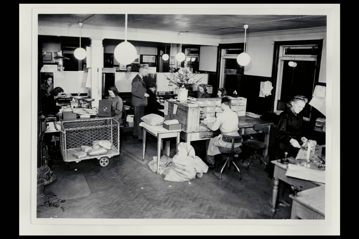 interiør, postkontor, 2800 Gjøvik, ekspedisjonsrom, sortering