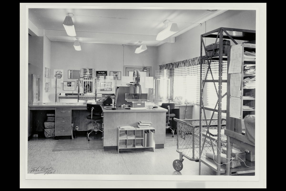 interiør, postkontor, 3540 Nesbyen, ekspedisjon, vekt, regnemaskin