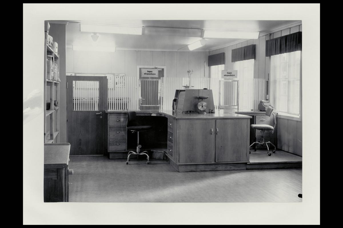 interiør, postkontor, 7460 Røros, ekspedisjon, vekt