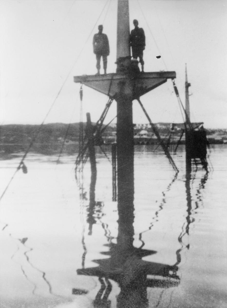 krigen, Narvik havn, eksteriør, to menn