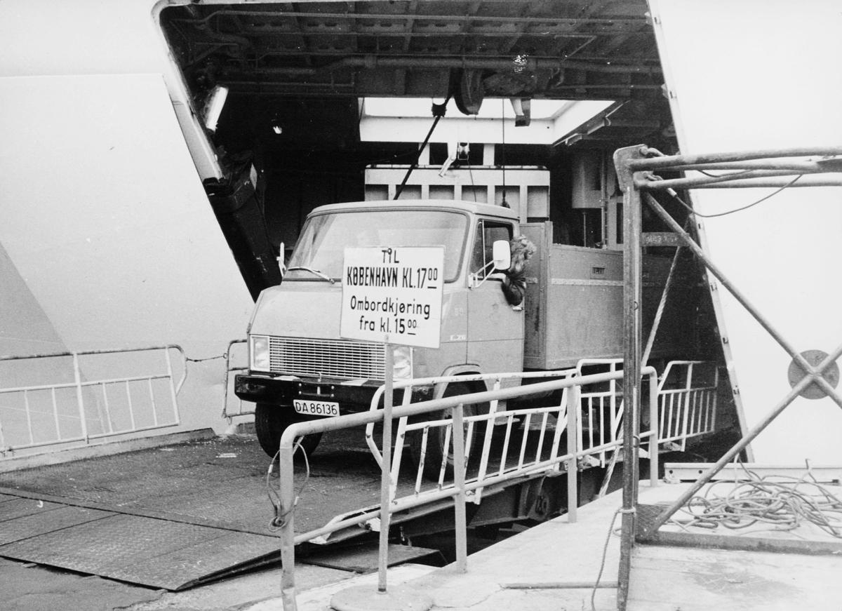 transport, båt, D.F.D.S. København, levering av post