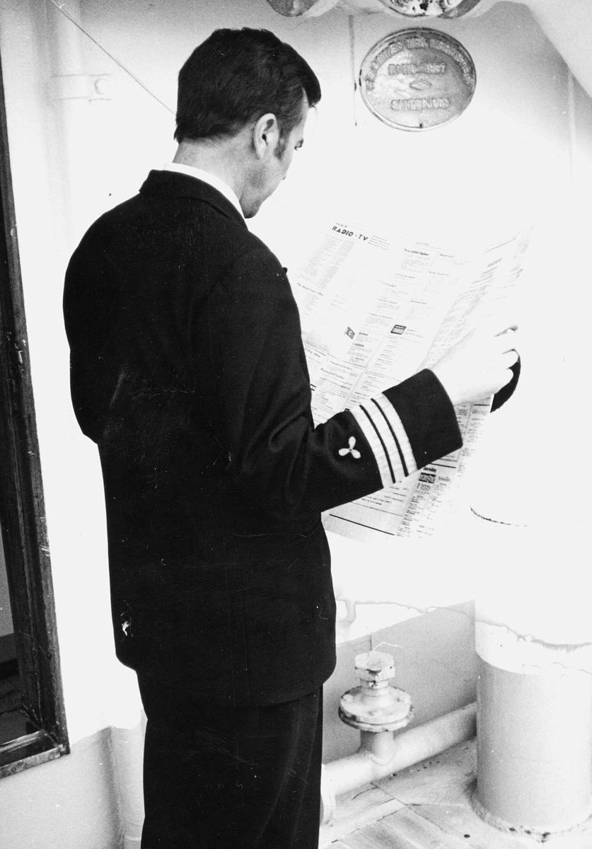 transport, båt, Christian Radich, mann, leser avis