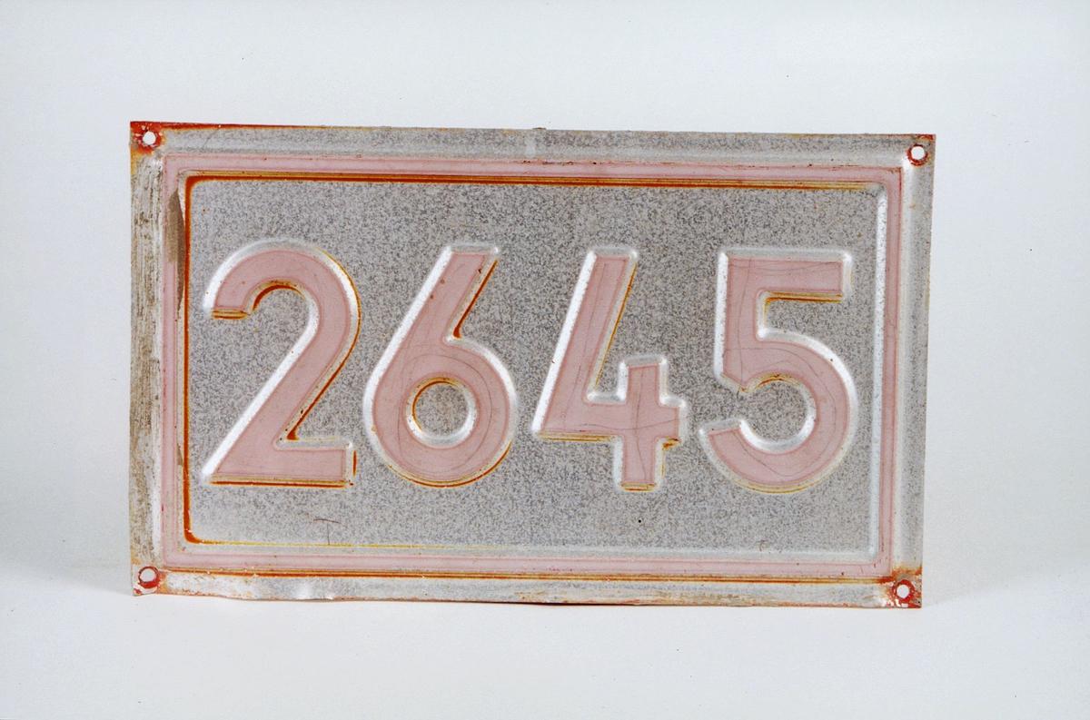 Postmuseet, gjenstander, skilt, stedskilt, nummerskilt, 2645 (Harpefoss).