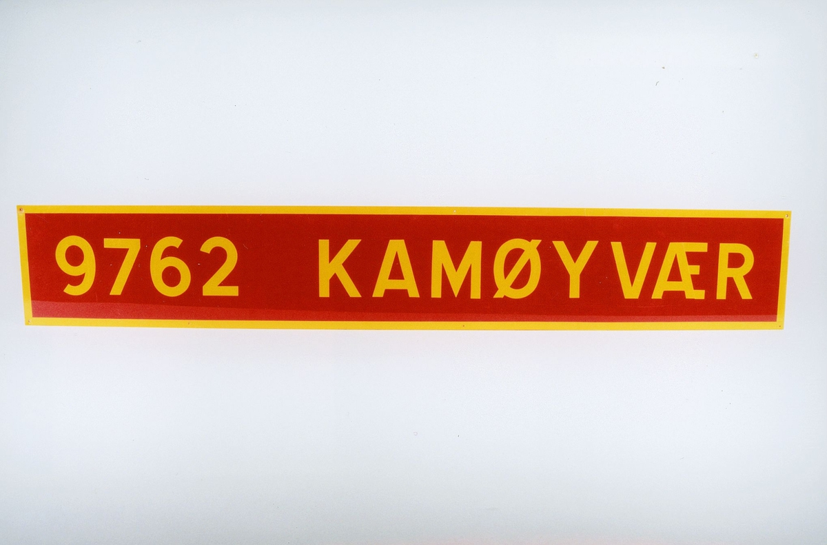 Postmuseet, gjenstander, skilt, stedskilt, stedsnavn, 9762 Kamøyvær.