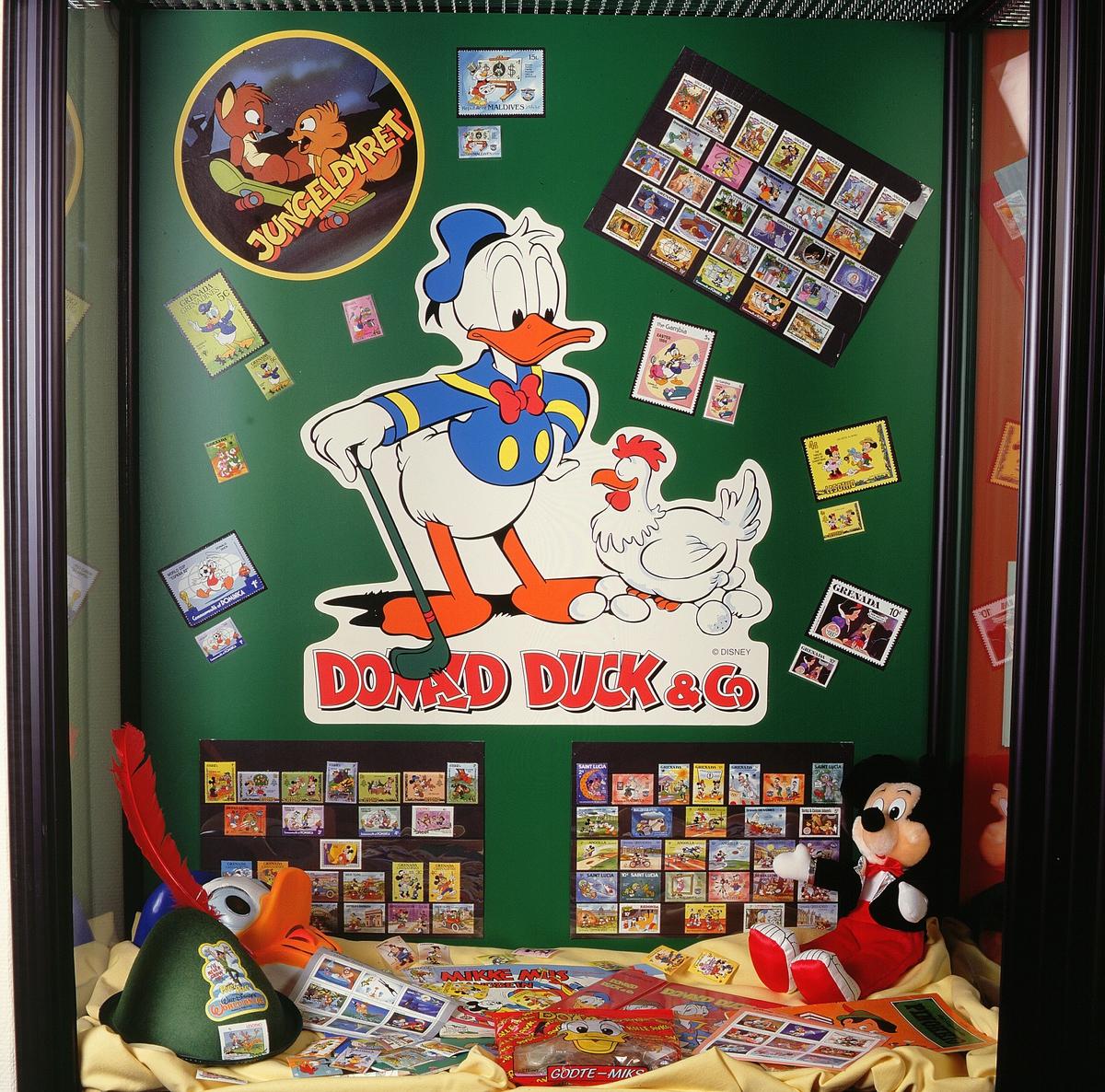 postmuseet, Kirkegata 20, utstilling, frimerker, tegneserier, Walt Disney, Donald Duck, gjenstander med disneymotiv