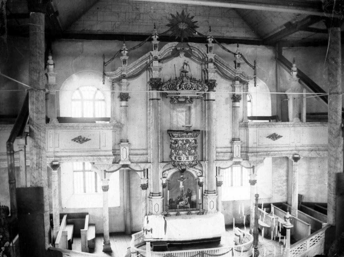 Interiør Sør-Fron kirke.