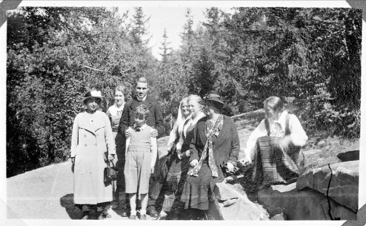 Maihaugen, kvinner, prest